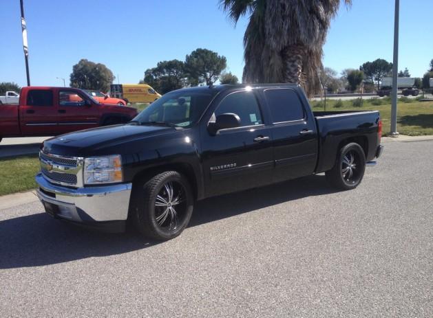 "22"" MUM wheels Tinted windows Custom dual exhaust  Lowered"